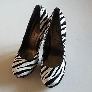 🌺NWOT ☆Madden Girl☆ Zebra printed heels.